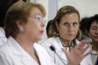 """Kast cuestiona a Bachelet y Helia Molina responde: """"No los escucho opinar sobre el general que robó 3500 millones a los chilenos"""""""