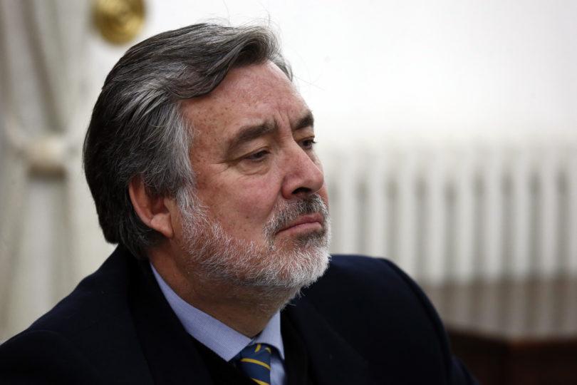 """""""Puro mérito, ¿o no ministra Cubillos?"""": Guillier ironizó con nombramiento de hijo de Larraín y respondió críticas todo el fin de semana"""