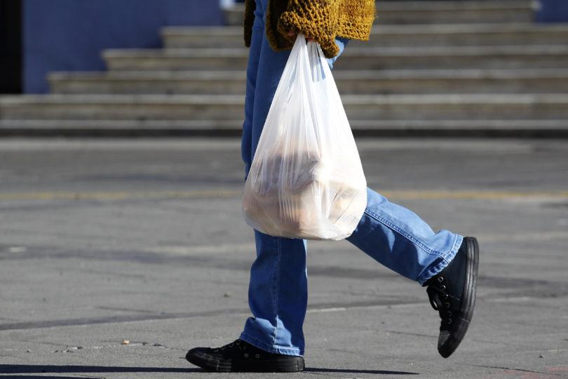 La crisis del principal fabricante de bolsas plásticas tras prohibición de uso