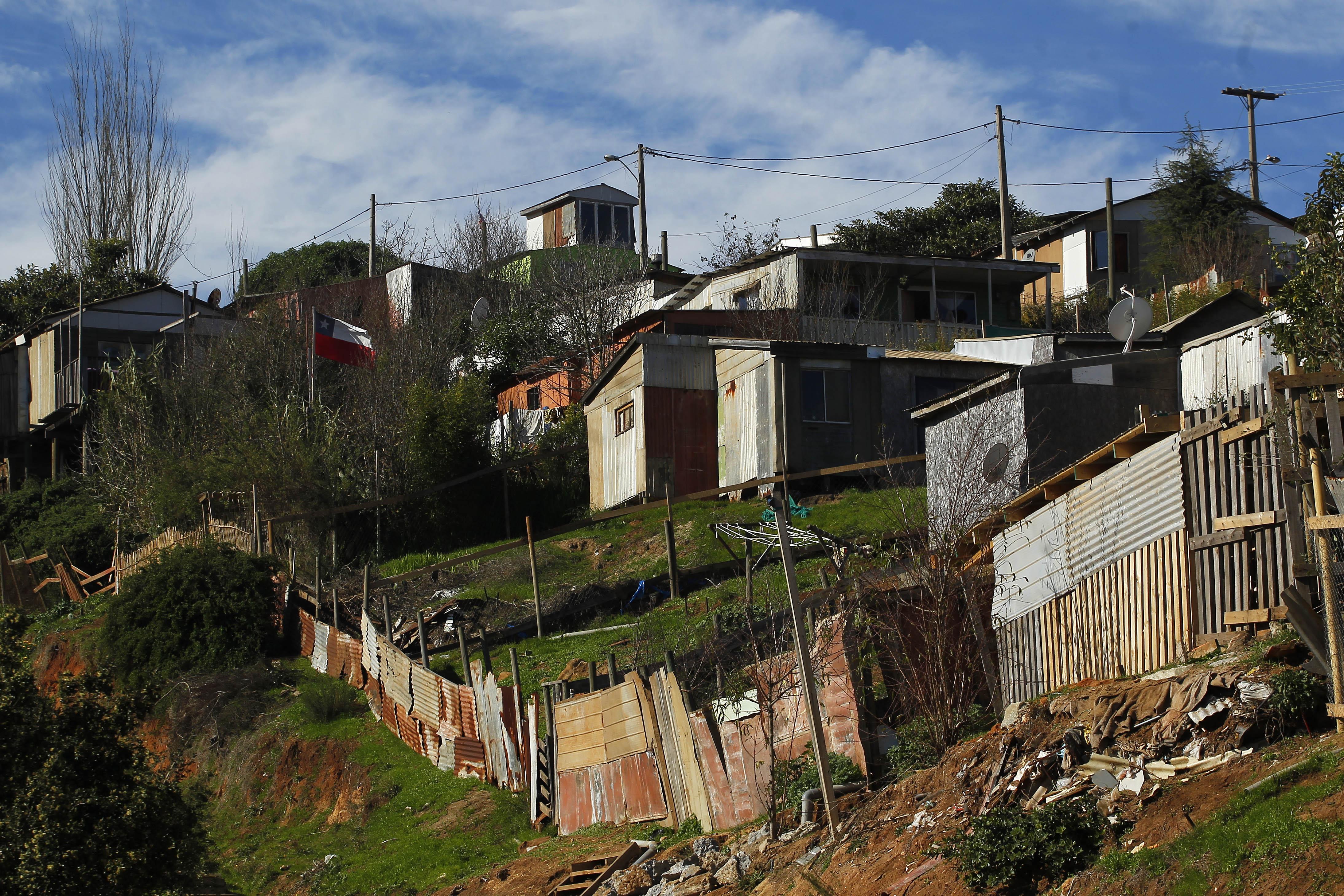 """""""Número de campamentos en Chile no se redujo durante el último año"""""""
