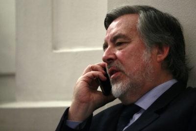 """Guillier emplaza a Piñera por subsecretario Castillo: """"¿Qué es sino un cómplice pasivo?"""""""