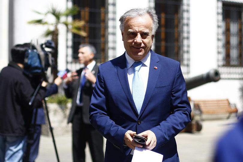 Emilio Santelices insiste en vincular aumento del VIH en Chile con extranjeros