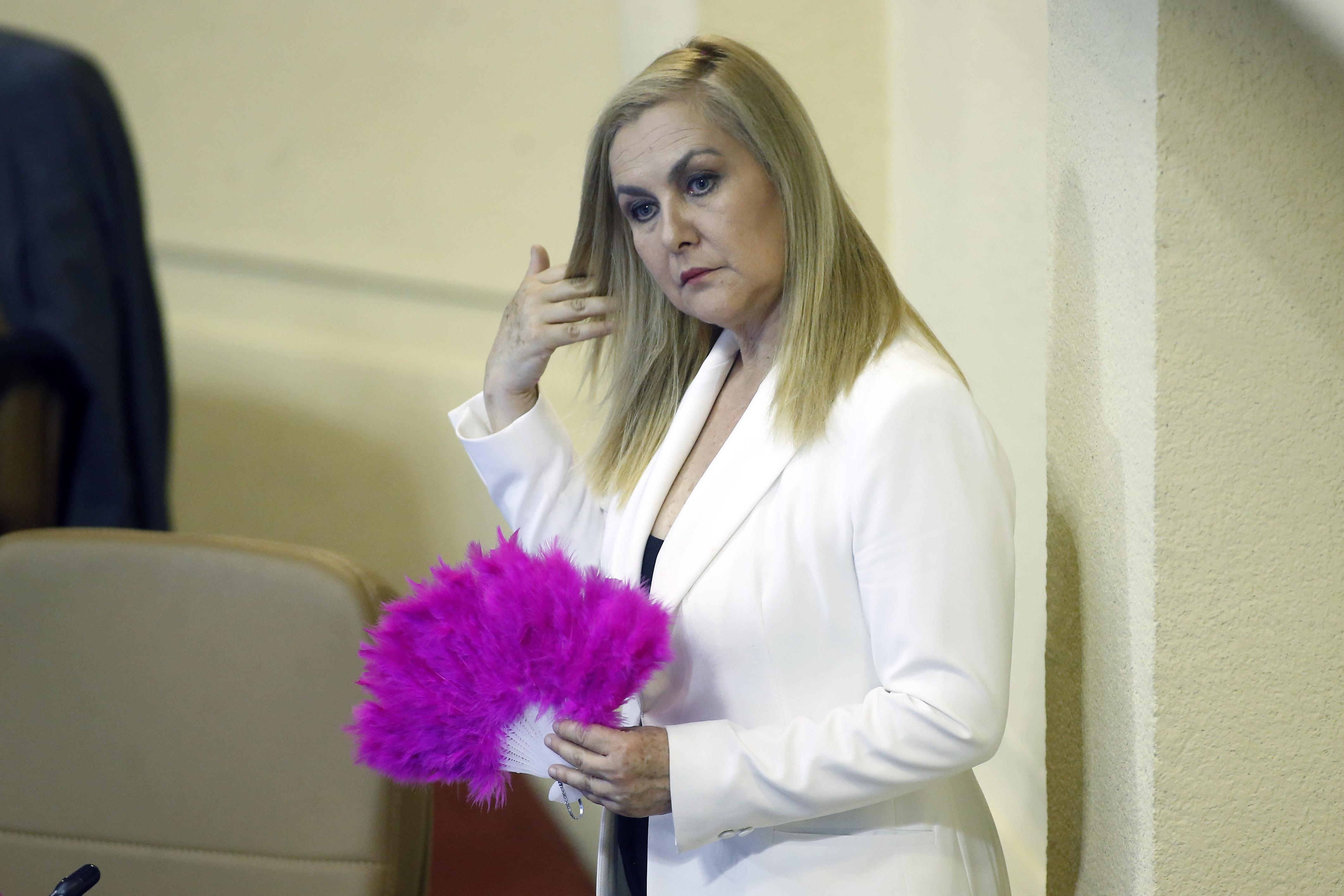 """""""Frei Montalva: diputada Jiles le recuerda la objeción de conciencia a la PUC en ácido y comentado tuit"""""""