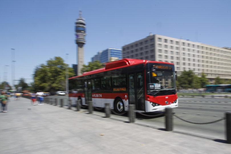 Usuarios del Transantiago le ponen nota 6,3 a buses eléctricos