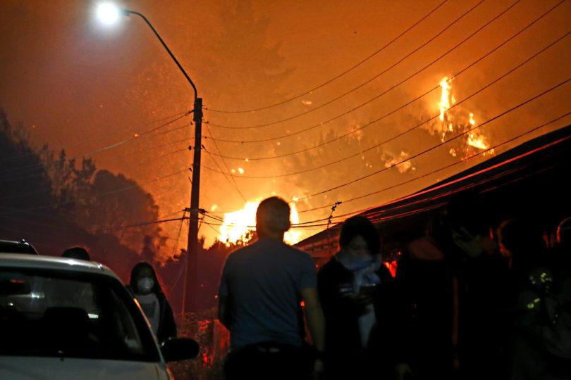 Incendios forestales: decretan toque de queda para la provincia de Concepción