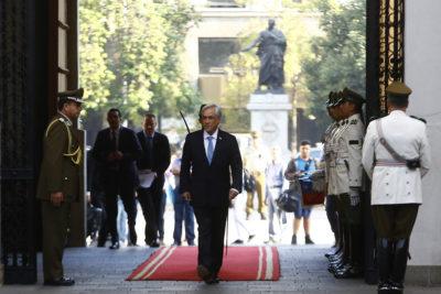 Piñera reitera decisión de viajar a Cúcuta en medio de incendios forestales