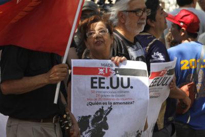 Cinco detenidos tras incidentes frente a embajada de Venezuela en Chile