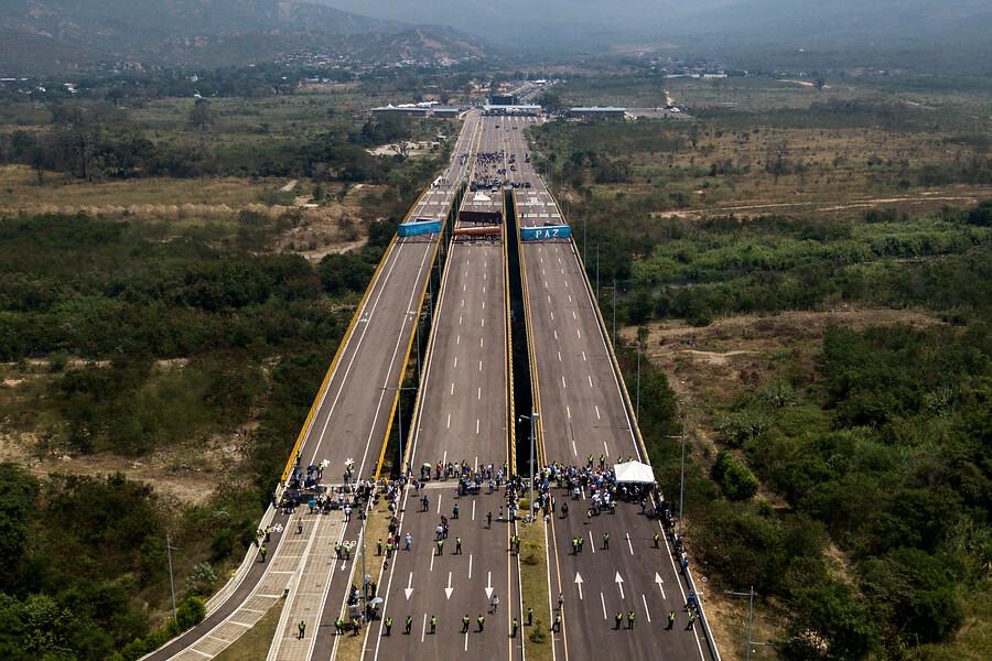 Suspenden traslado de ayuda humanitaria a Venezuela