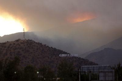 Se mantiene incendio en Pudahuel-Curacaví: Hay 21 activos a nivel nacional
