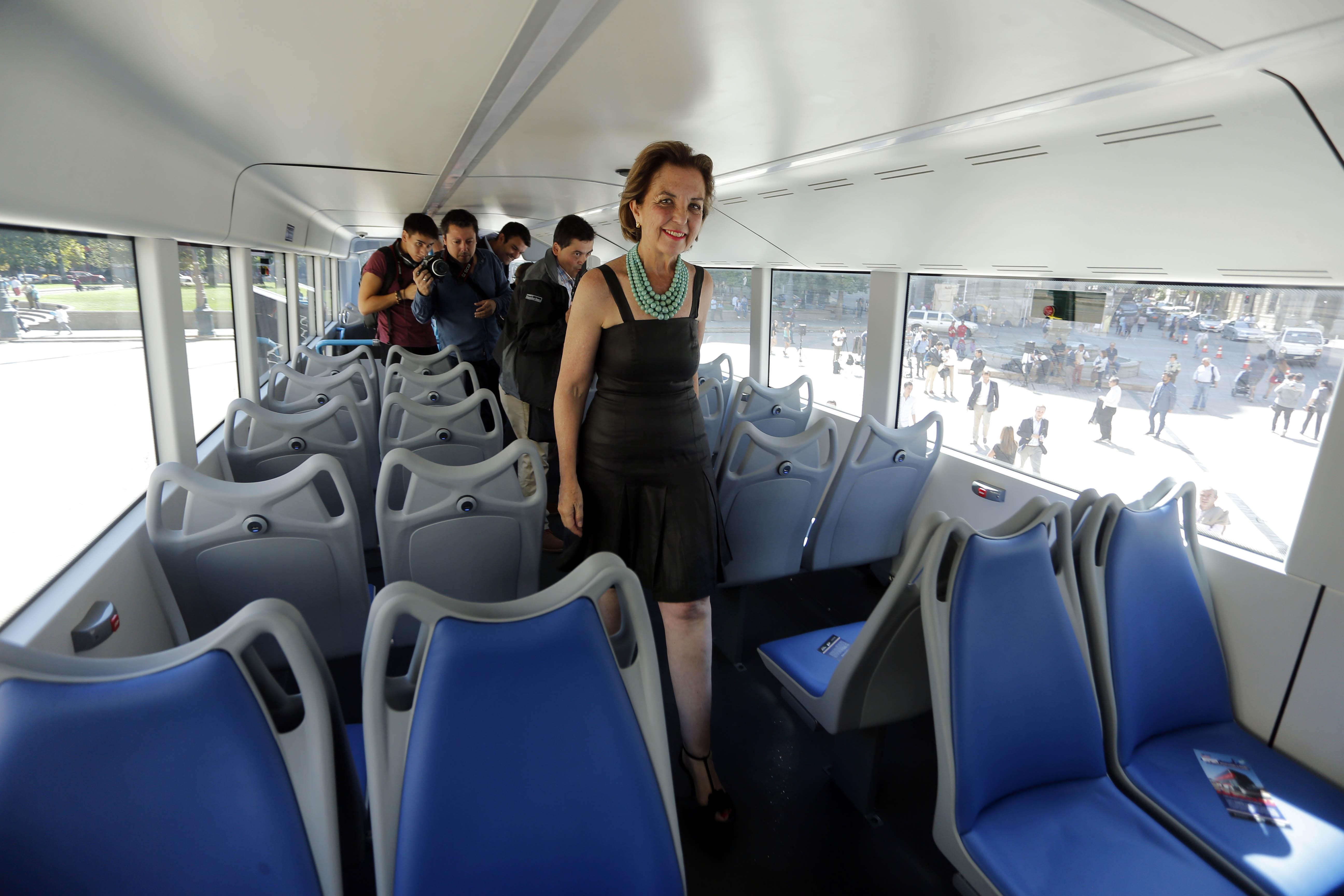 """""""Bus de dos pisos ultratecnológico estará a prueba por un mes en el Transantiago"""""""