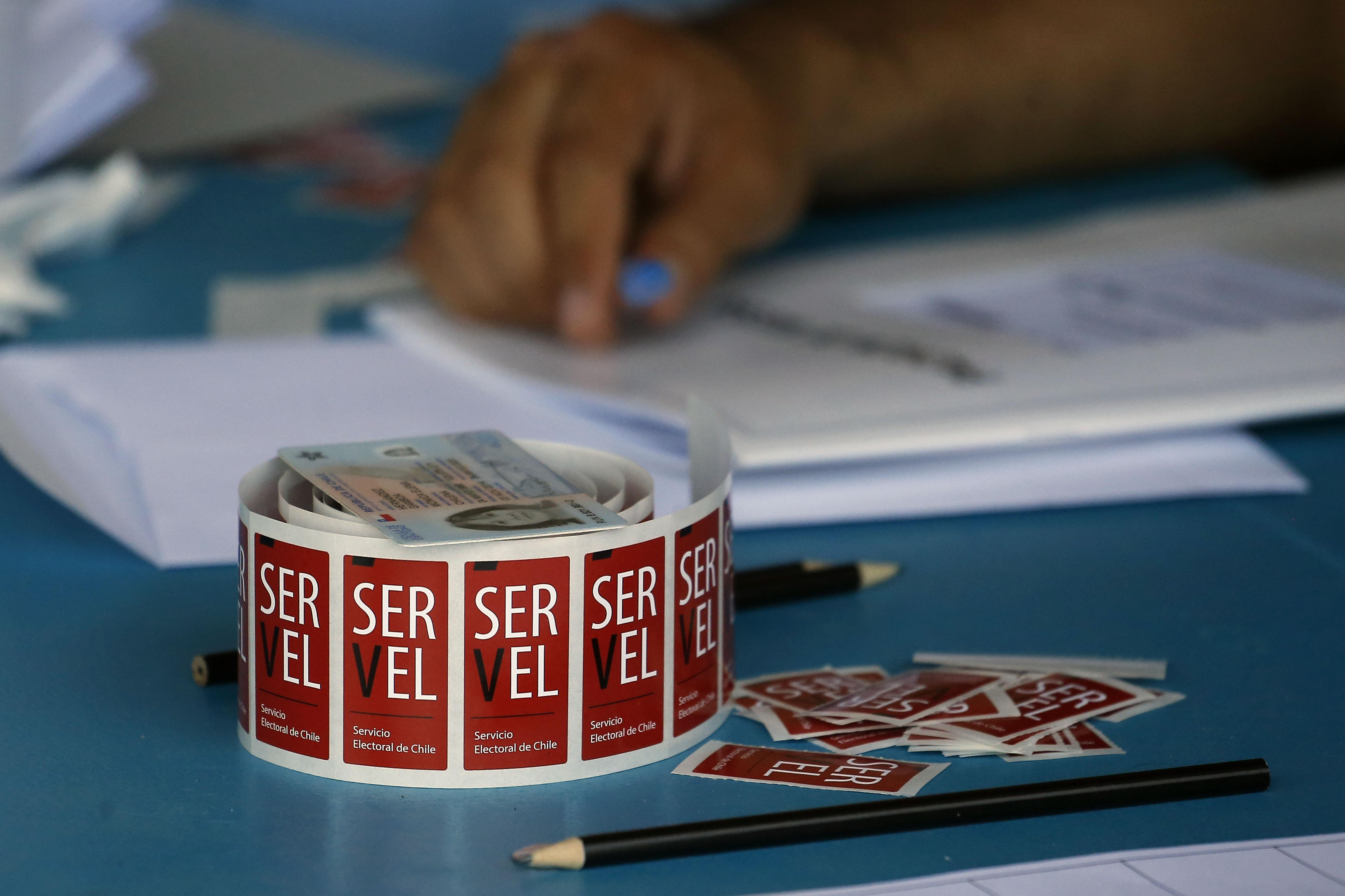 """""""Exigencia de 4to medio para concejales enciende las alarmas en partidos políticos"""""""