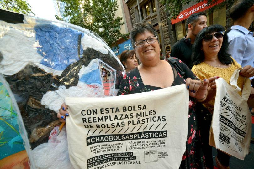 A seis meses de la ley ya se evitó entrega de 1.000 millones de bolsas plásticas