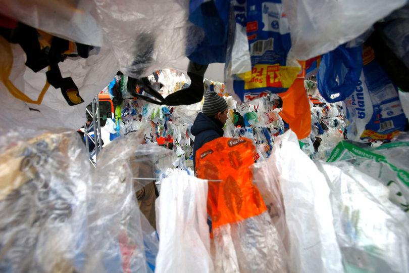 Adiós a las bolsas plásticas en todo Chile: prohibición comienza este domingo