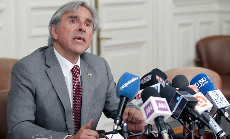 Sobreseen de manera definitiva al senador UDI Iván Moreira por caso Penta