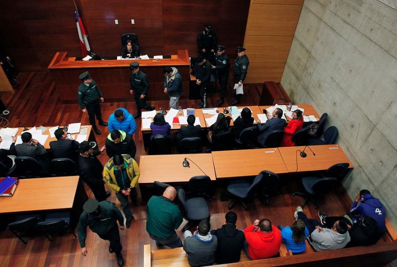 """Piden más de 30 años de cárcel para excarabineros que hacían """"quitadas"""" de droga"""