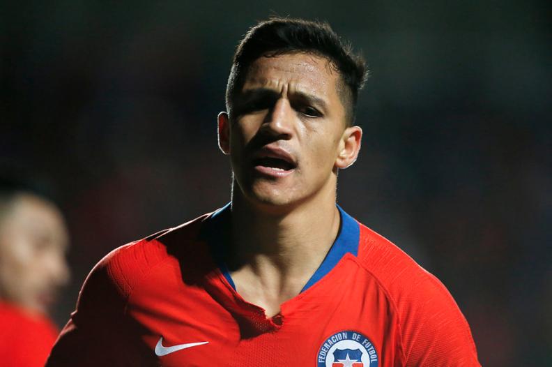 Alexis Sánchez habría comentado la opción de jugar por la 'U'