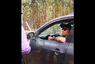 Graban reacción del primer multado por negar acceso a playa