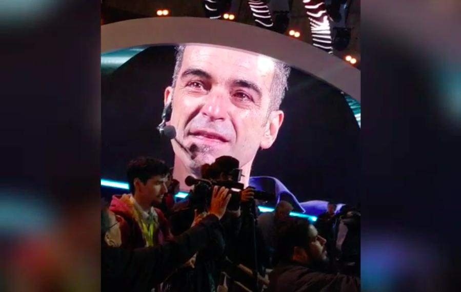 """""""VIDEO  Hasta las lágrimas: así se vivió el momento más emotivo de Jorge Alis en el borde del escenario de la Quinta Vergara"""""""