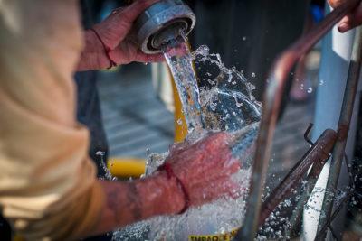Familias de Chiloé y alrededores dependen de camiones aljibes para tener agua