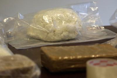 Condenan a seis narcotraficantes que enviaban droga en camas por encomienda