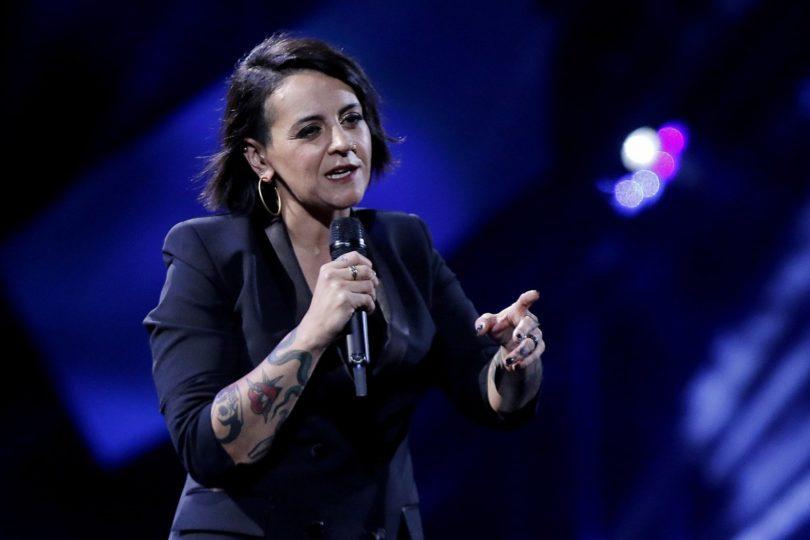 ¿Demasiado riesgo? Jani Dueñas vuelve a los escenarios masivos a una semana de su show en Viña 2019
