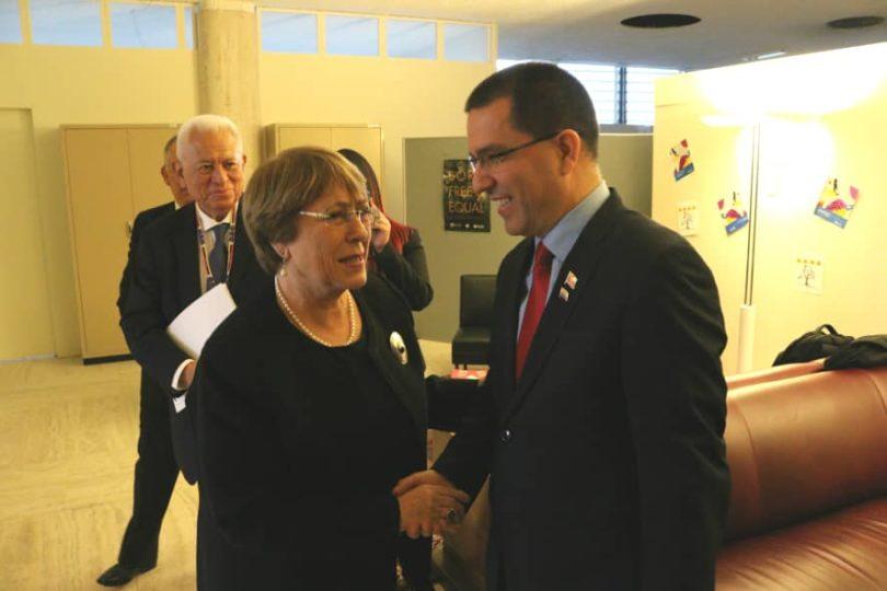 Canciller de Maduro se encuentra con Bachelet y la invita a Venezuela