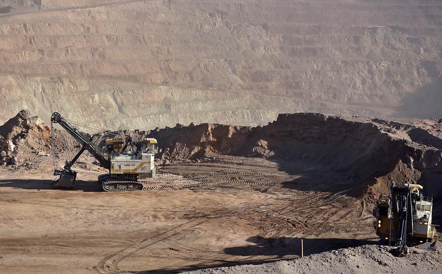 """""""Gobierno restringirá derechos de agua para mineras en el país"""""""