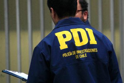 Exdetectives de la PDI son detenidos por sustraer bolso con dinero en operativo