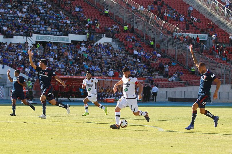 VIDEO | Hinchas de la U golpean a barra de Melgar en el Estadio Nacional