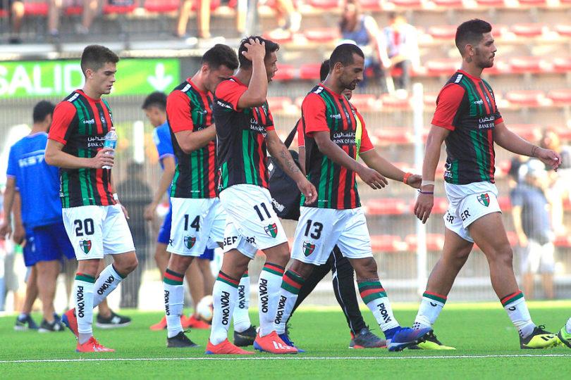 Hinchas de Talleres despliegan emotivo lienzo con mensaje a Palestino en pleno partido de Copa Libertadores