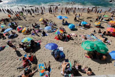 Muere hombre que quedó enterrado en túnel de arena en El Tabo