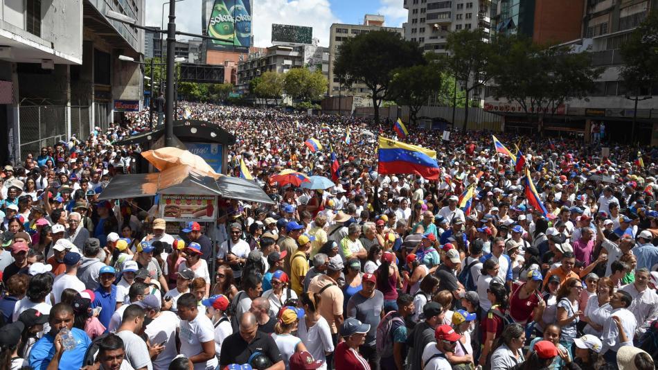 """""""Diputada opositora denuncia hambruna en Venezuela y llama a activar corredores humanitarios"""""""