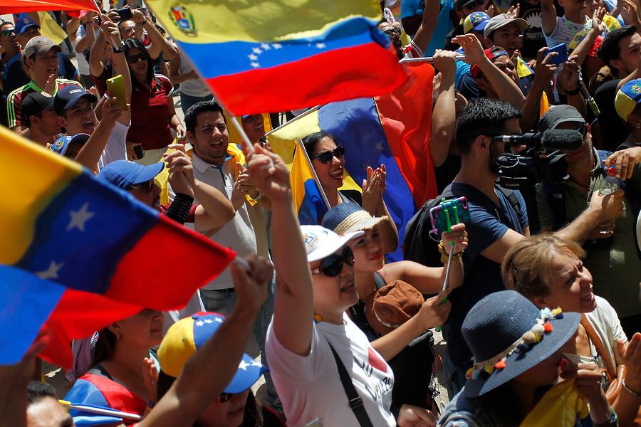 """""""Venezolanos en Chile recaudarán insumos en el Parque Bustamante"""""""