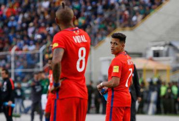 Alexis Sánchez y Arturo Vidal integran top ten de jugadores que más se han desvalorizado