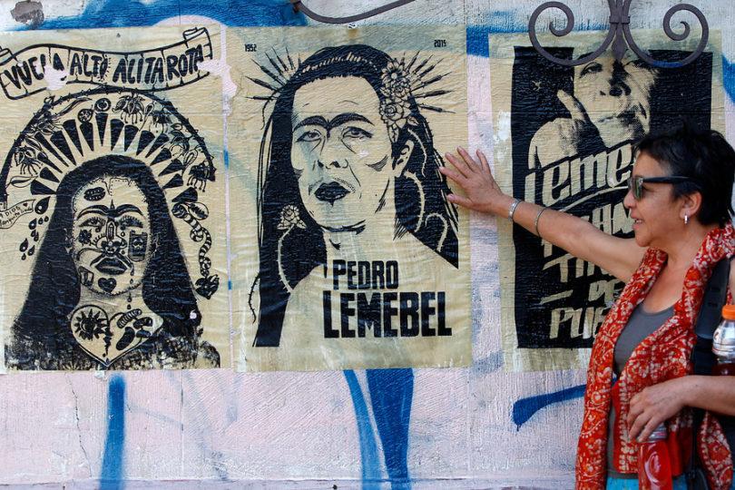 Organizaciones reiteran críticas a alcalde de Independencia por despido de profesor que pidió leer a Lemebel