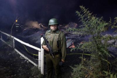 Nuevo ataque incendiario: Desconocidos maniataron a cuidador de fundo y familia