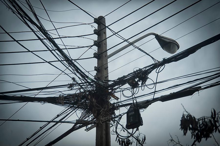 Clientes de empresas eléctricas deberán pagar mil millones de dólares por cambio de medidores