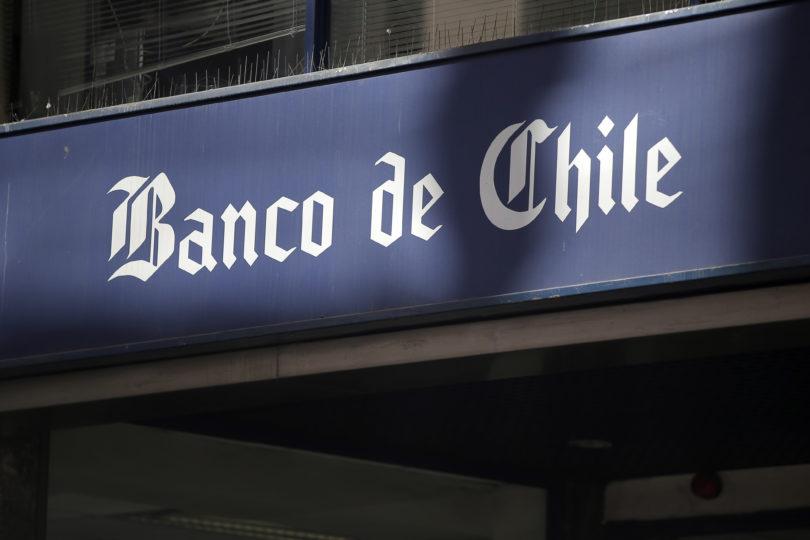 Ordenan al Banco de Chile reponer $20 millones robados en fraude cibernético
