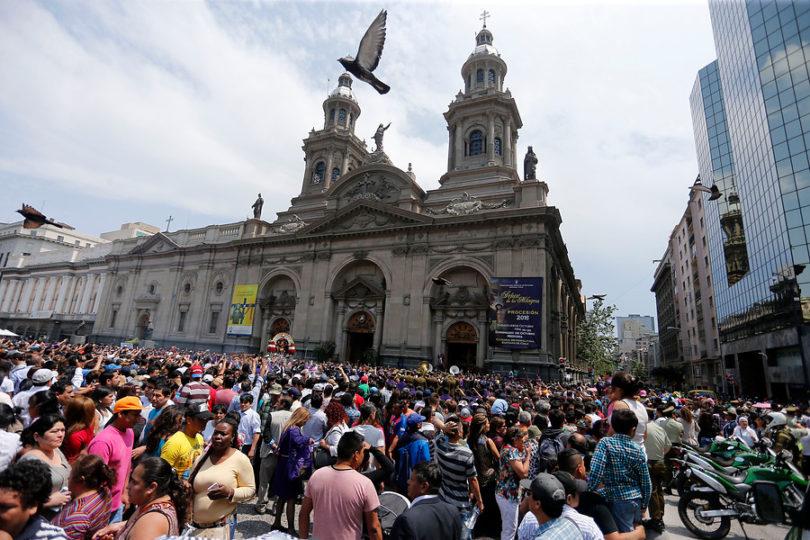 Denuncia que un cura lo violó en la principal catedral de Chile