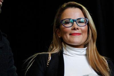 VIDEO |Spa, manicure, exámenes y flores: el 8M de Cathy Barriga con las mujeres de Maipú