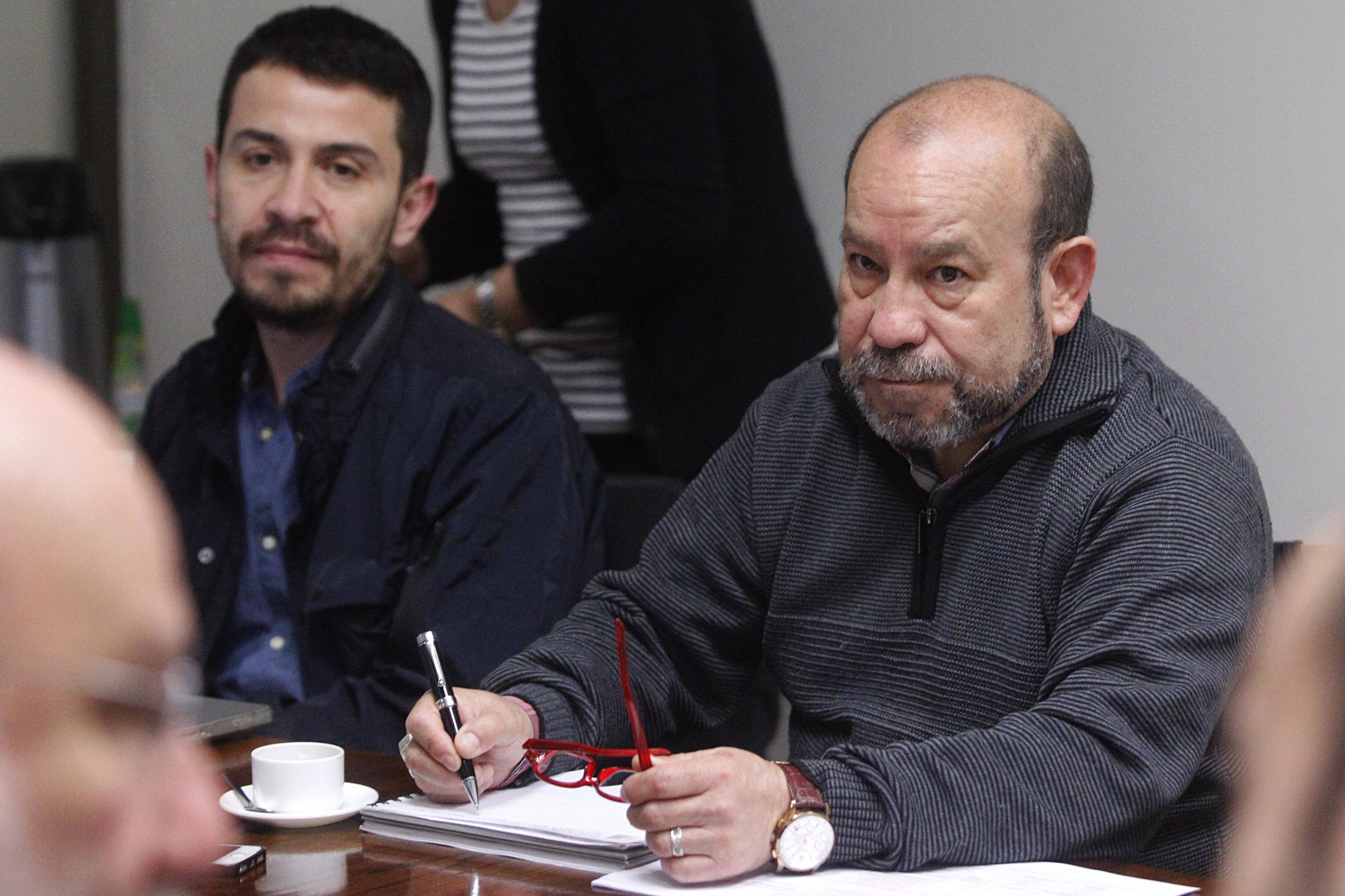 Rolando Jiménez permanecerá en el Movilh a petición de activistas de la organización