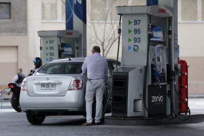 Bajas en bencinas, frutas y pollos congelaron el IPC en 0% en febrero