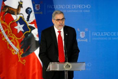 Rector de la Usach pedirá explicaciones a decano por dichos contra la huelga feminista