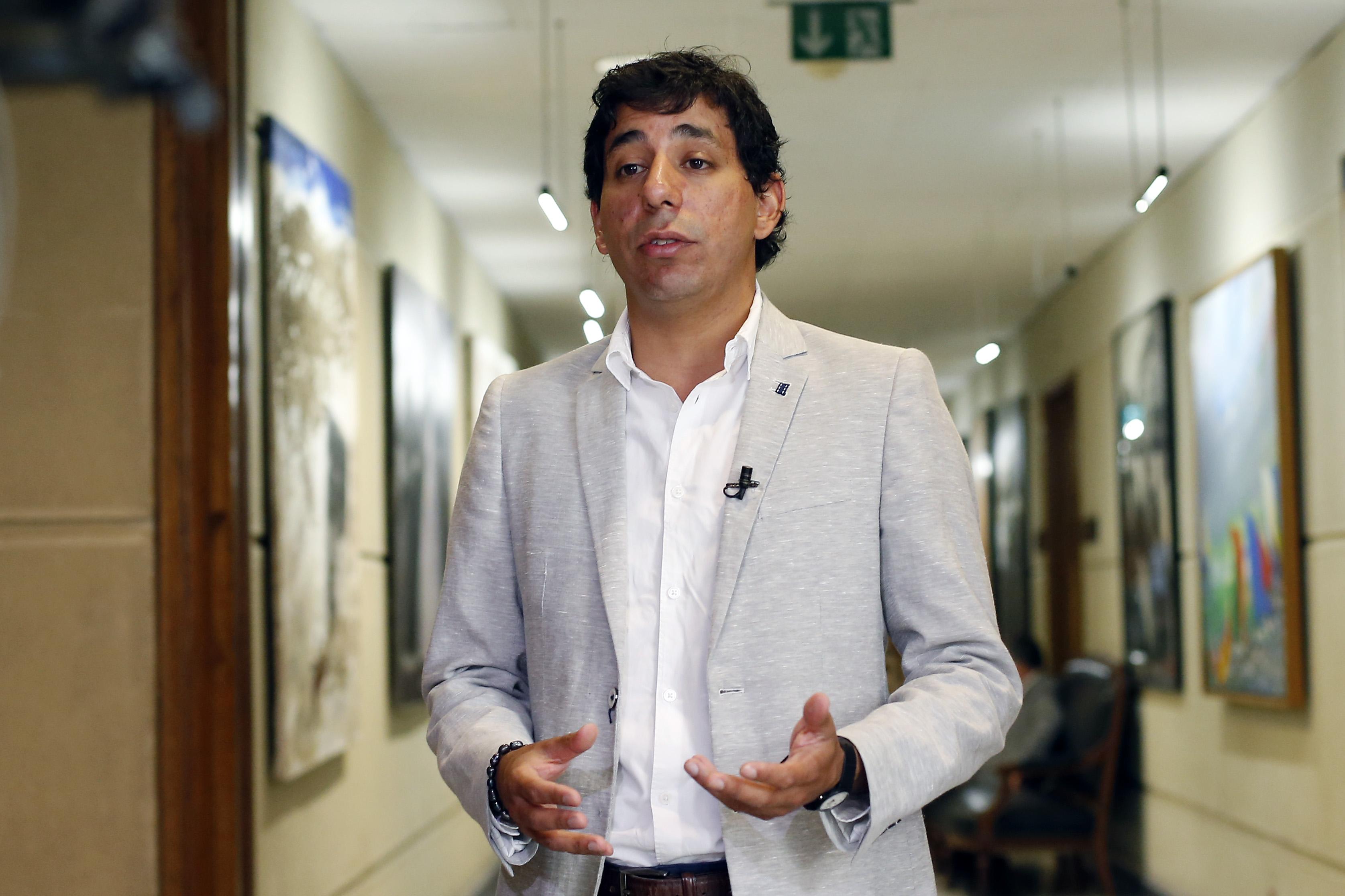 """""""Les sale la violencia machista..."""": diputado Birto responde a versiones que lo ponían como pareja de Maite Orsini"""