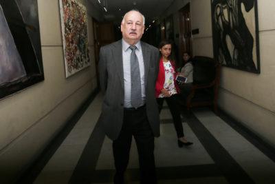 """Teillier acusa al Gobierno de invitarlo a reunirse con Piñera por WhatsApp: """"Al FA le envían un correo firmado por el Presidente…"""""""