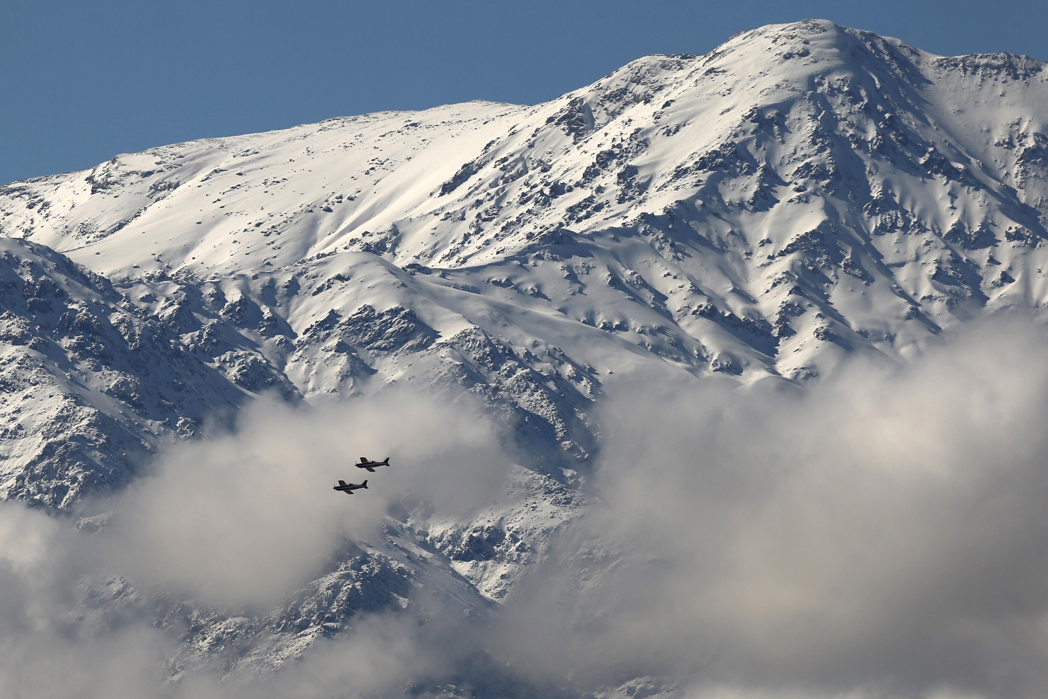 """""""Estudio comprueba que la nieve de la Cordillera de Los Andes está contaminada y se derrite más rápido"""""""