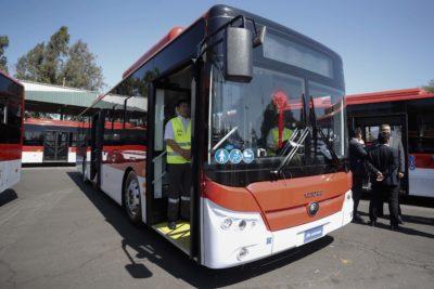 Proyecto castiga con hasta 3 años de cárcel a quienes dañen buses o paraderos