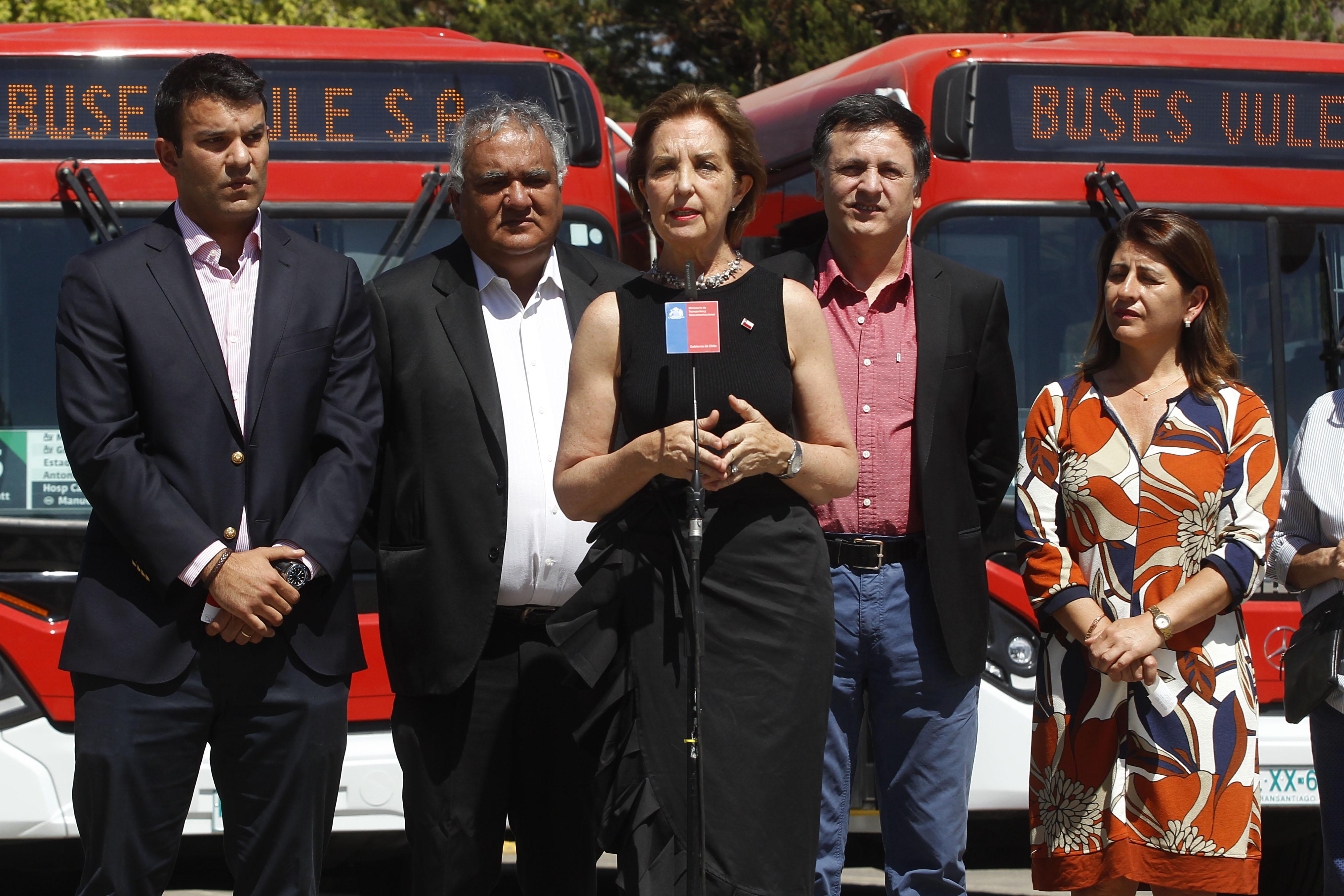 """""""Ministra Hutt: Salida de Alsacia mejoró regularidad y frecuencia de Transantiago"""""""