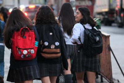 """Denuncian que menor fue rechazada de colegio de Iquique por ser """"muy desarrollada"""""""