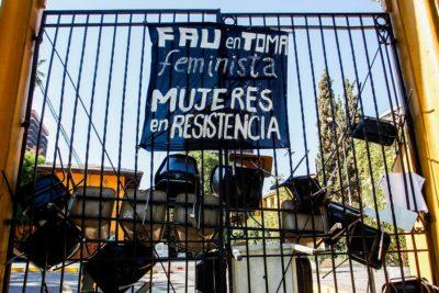 Decano de Facultad Arquitectura de la U. de Chile rechazó la toma feminista por el 8M